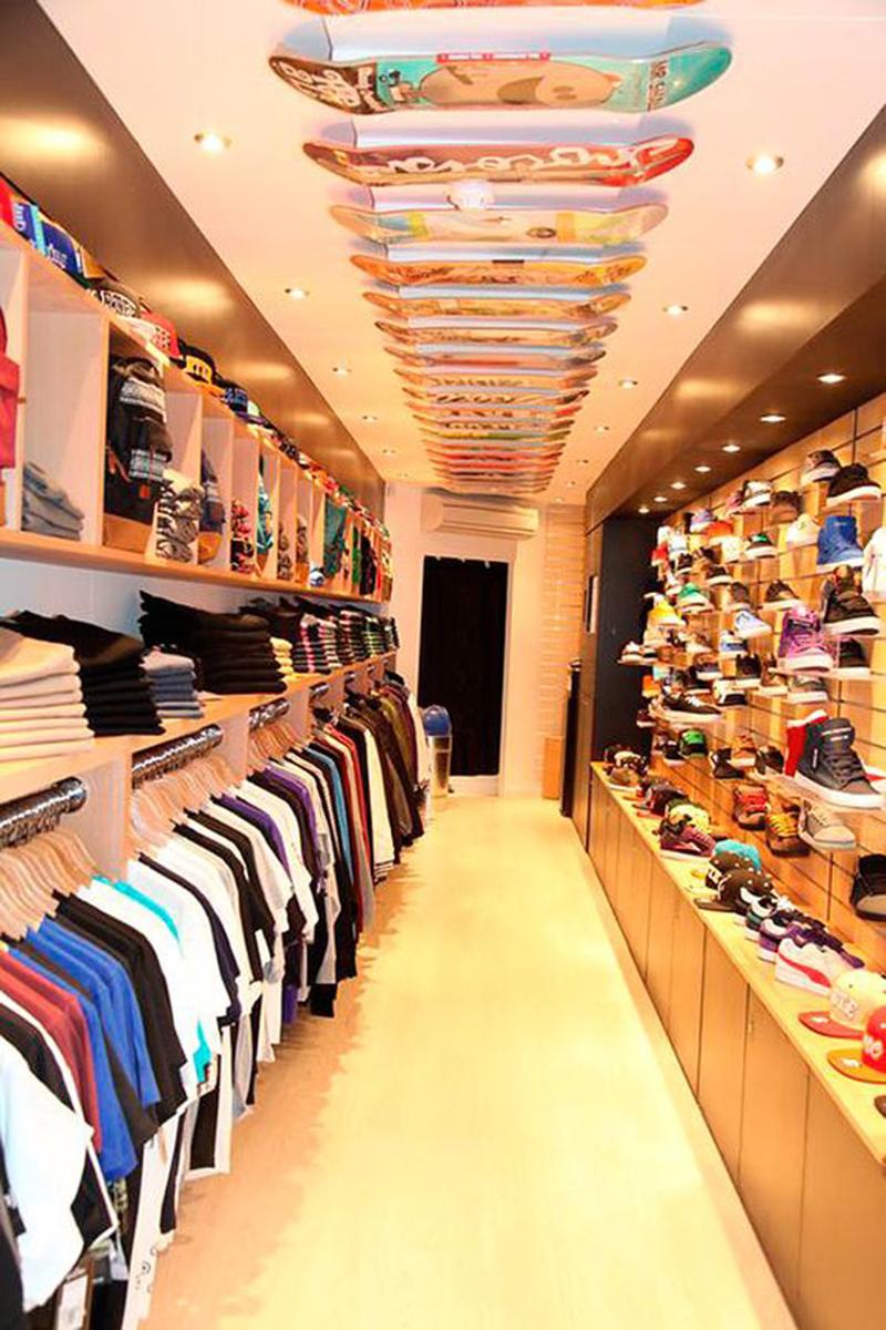 Thiết kế nội thất showroom cho cửa hàng thời trang