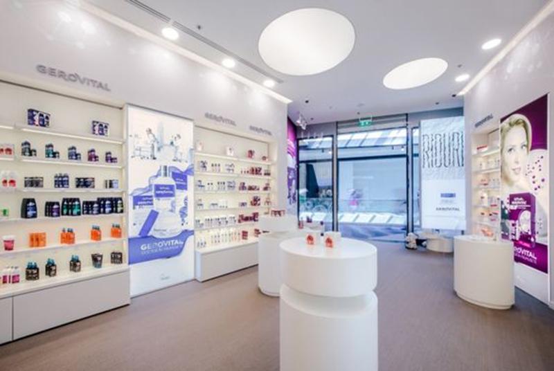 Thiết kế nội thất showroom cho cửa hàng mỹ phẩm