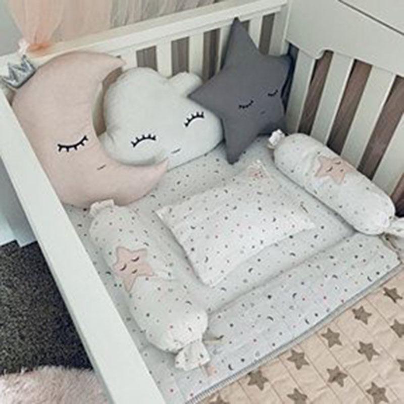 Mẫu trang trí, thiết kế phòng ngủ cho bé trai sơ sinh