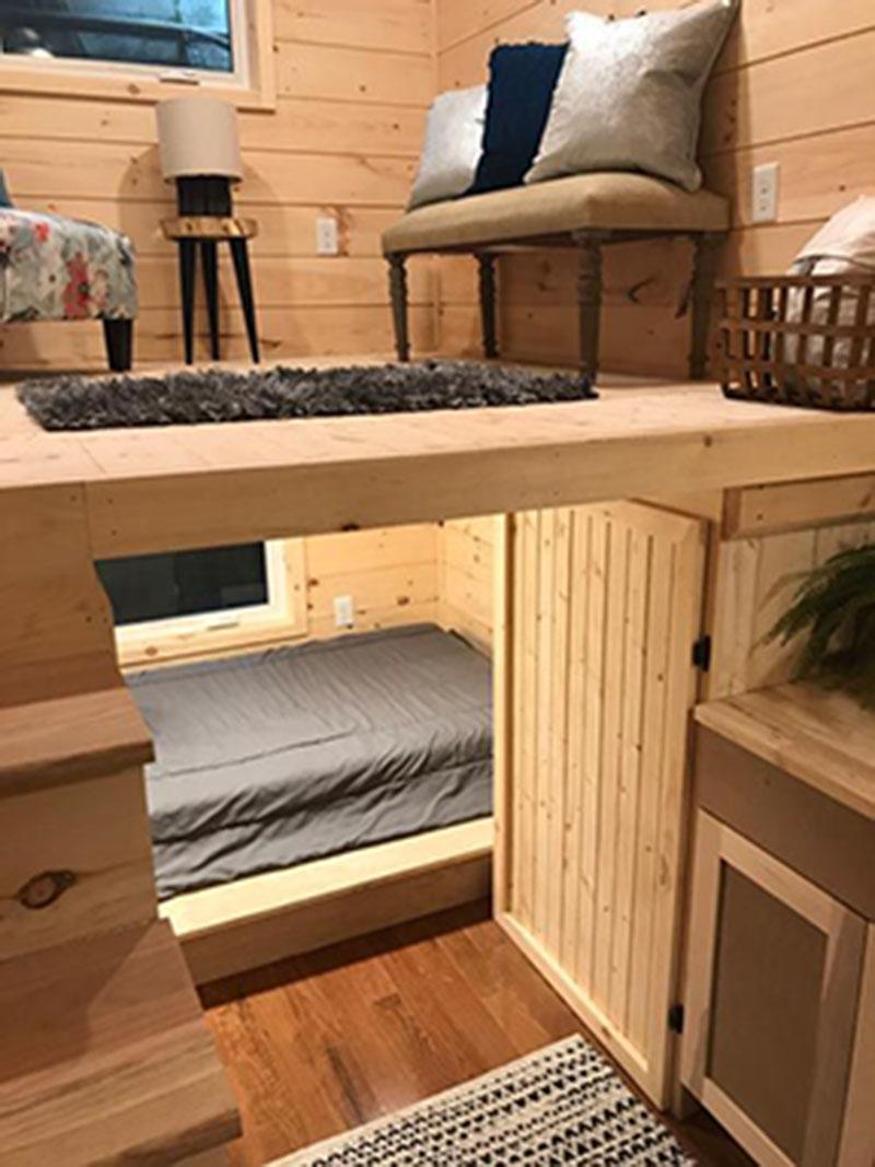 Tiết kiệm không gian phòng ngủ với thiết kế nội thất thông minh