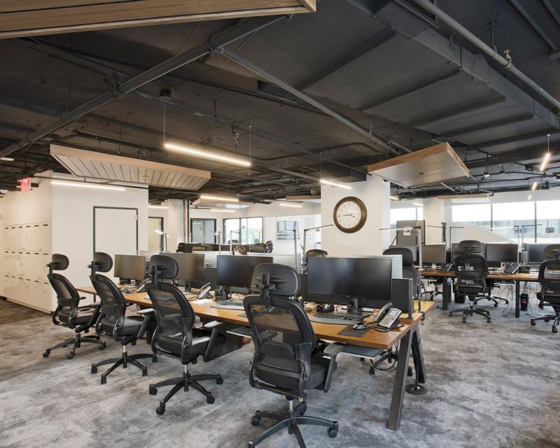 Ấn tượng với nội thất văn phòng thô mộc
